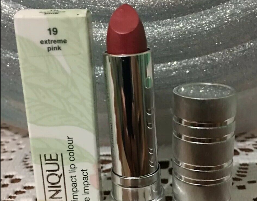 Clinique High Impact Lipstick Review