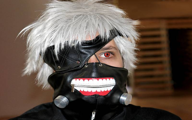 5 Best Tokyo Ghoul Cosplay Wigs and Props